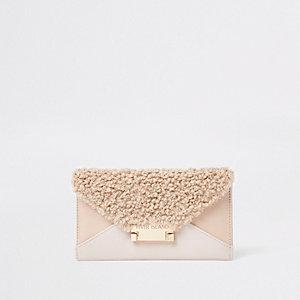 Porte-monnaie enveloppe beige imitation cuir