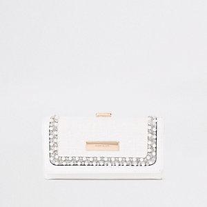 Witte portemonnee met druksluiting en siersteentjes