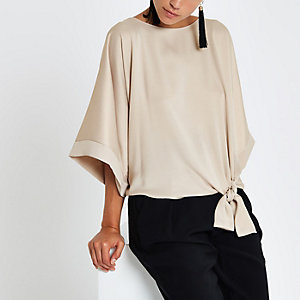 Beige knot side T-shirt