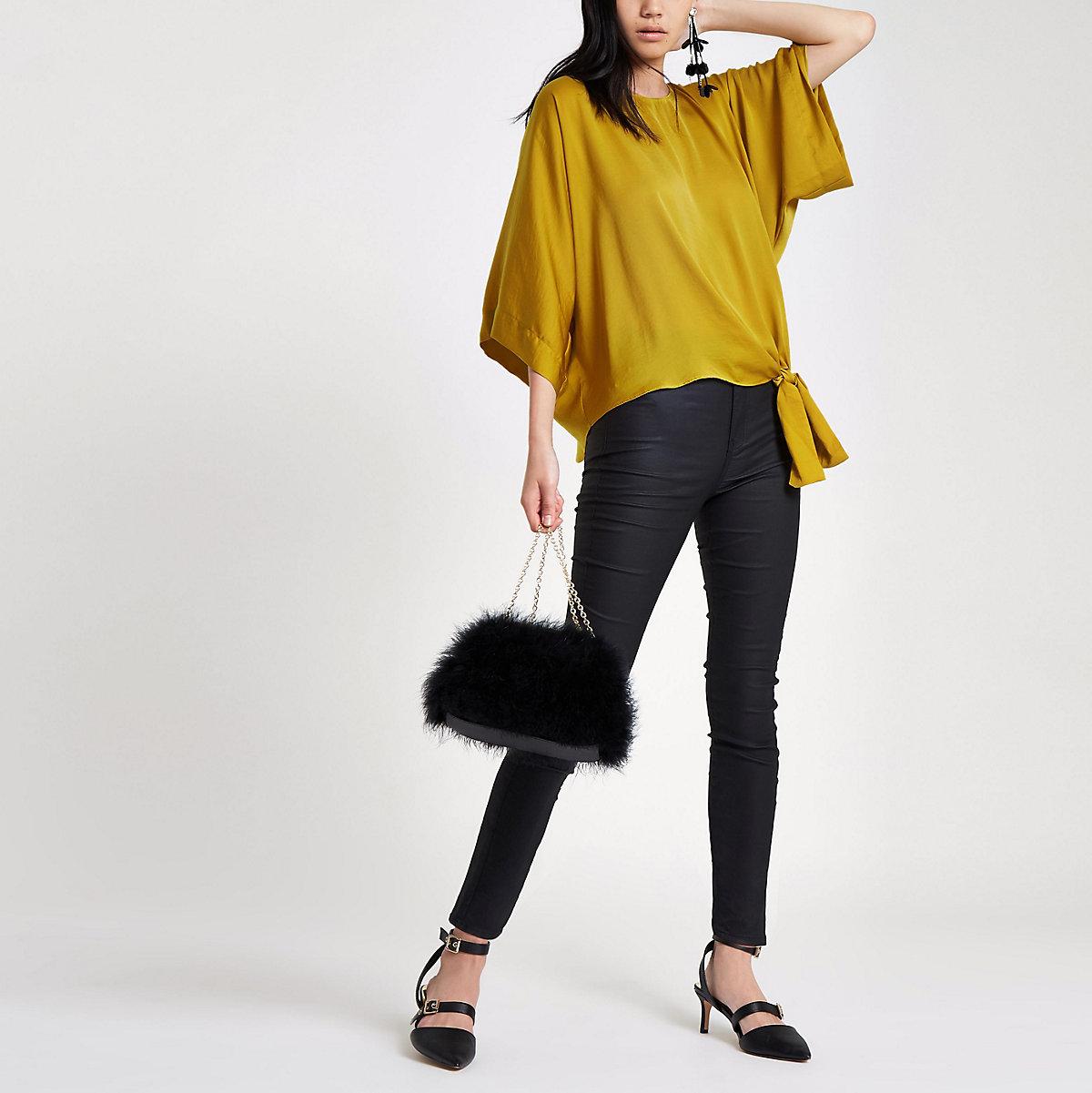 Yellow knot side T-shirt