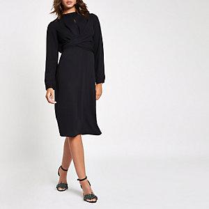 Zwarte midi-jurk met overslag in de taille