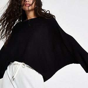 Schwarzes Strickoberteil mit Kimonoärmeln