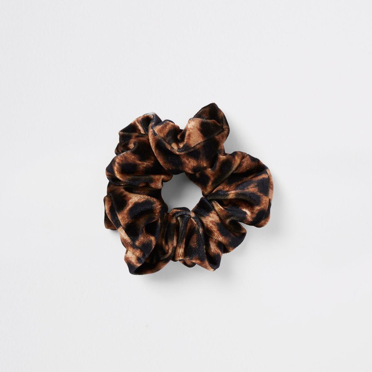 Brown leopard print scrunchie