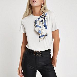 RI Petite - Wit T-shirt met sjaalprint en strik