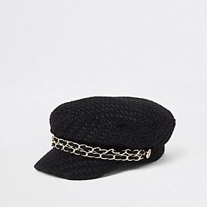 Zwarte bakerboy-pet met dubbele ketting
