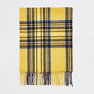 Geel met blauw geruite sjaal