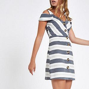 RI Petite - Blauwe gestreepte mini-jurk in bardotstijl met knopen