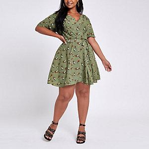 Plus – Grünes, geblümtes Skater-Kleid