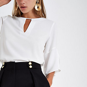 White frill sleeve blouse