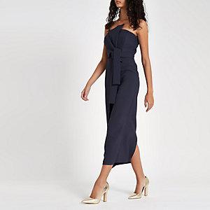 Robe longue Bardot ajustée bleu marine nouée sur le devant