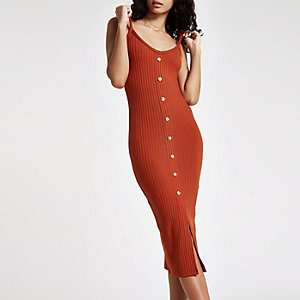 Dark red ribbed button front bodycon dress