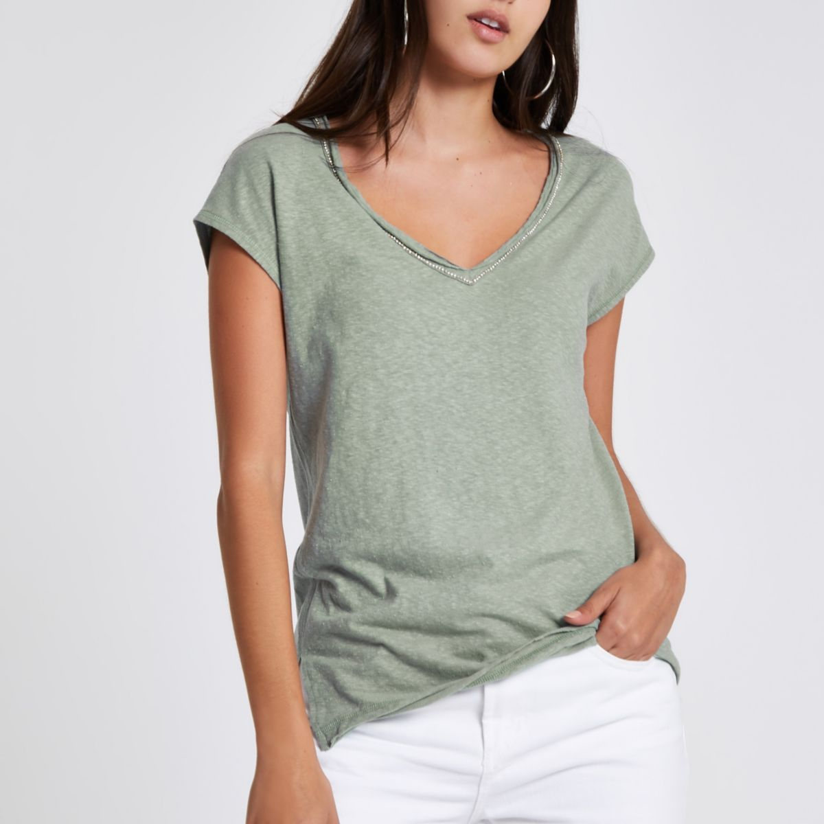 Green rhinestone neck embellished T-shirt