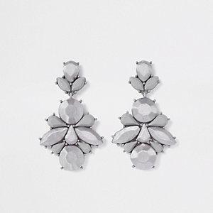 Pendants d'oreilles en satin gris à pierres