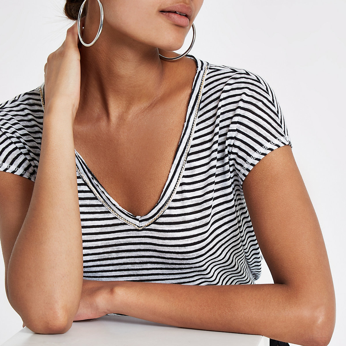 White stripe rhinestone trim T-shirt