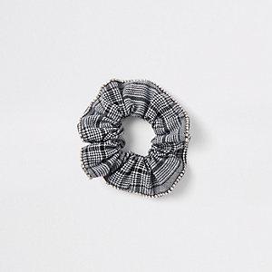 Zwarte geruite scrunchie met print en siersteentjes
