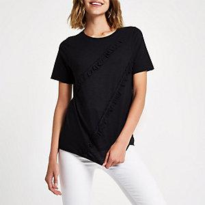 Schwarzes T-Shirt mit Raffung