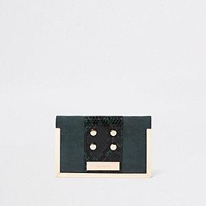 Dunkelgrünes Etui für Reisepass