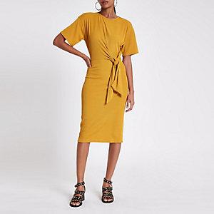 Gele geribbelde midi-jurk met strik voor