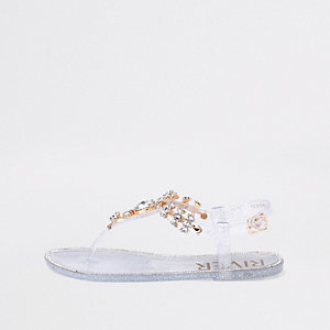 Sandales en plastique argentées ornées de pierreries