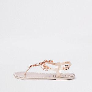 Sandales dorées avec ornements