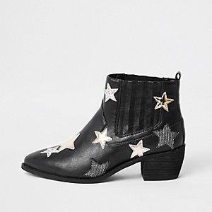 Schwarze Stiefel mit Sternenprint