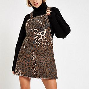 Robe salopette en denim à imprimé léopard