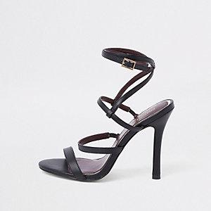 Zwarte sandalen met smalle hak en bandjes