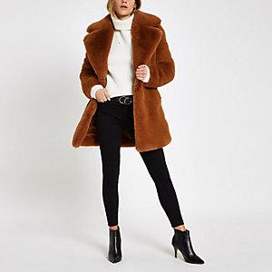 Brauner, langer Mantel mit Kunstfell