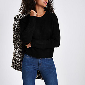 Black cropped crew neck sweater