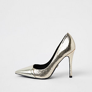 Gold metallic wrap around pumps