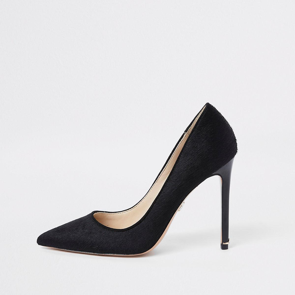 Black plush leather court shoes