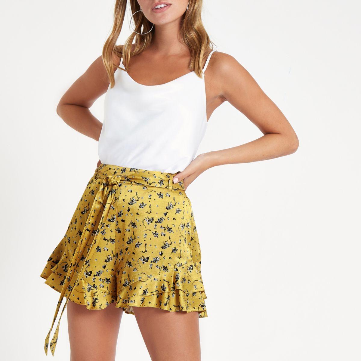 Petite yellow floral print frill hem shorts