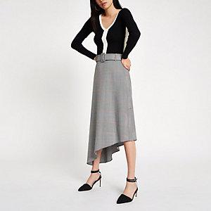 Jupe mi-longue asymétrique à carreaux grise