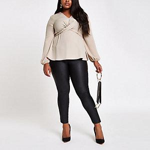 RI Plus - Kiezelkleurige gedraaide blouse met lange mouwen