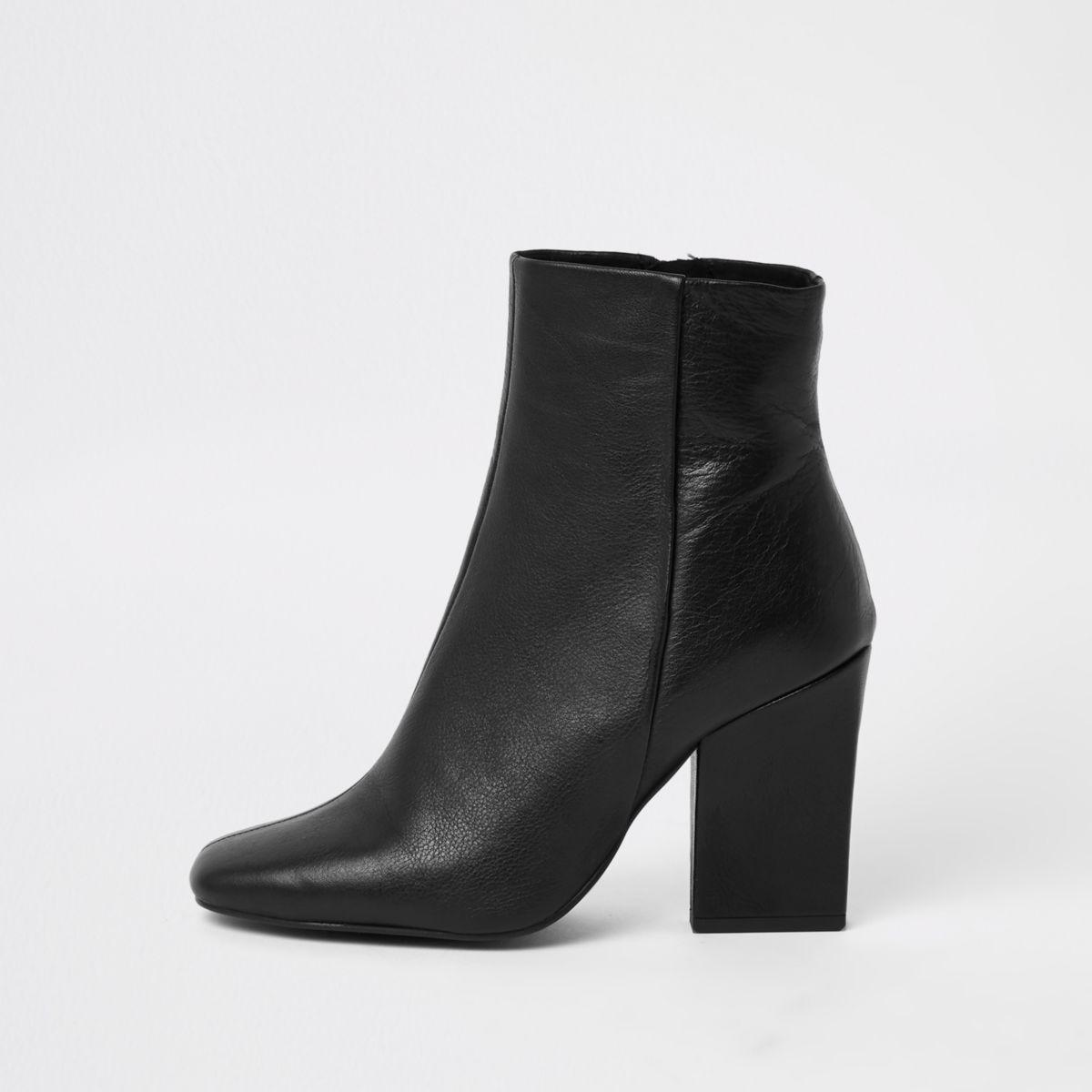 Black leather block heel chelsea boot
