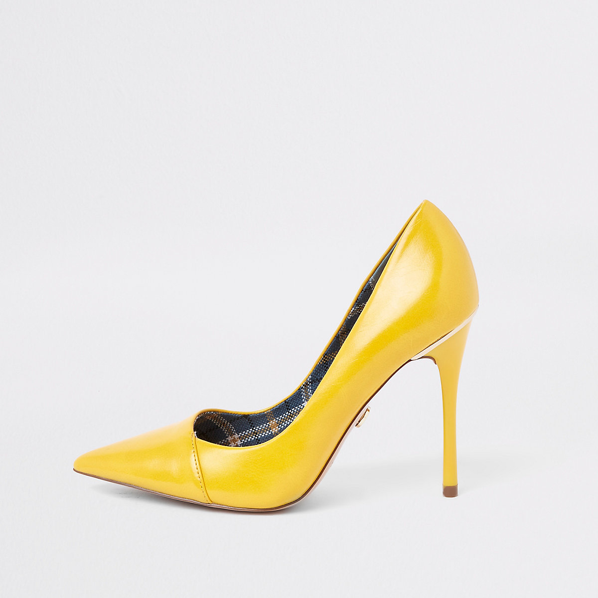 Yellow fold front pumps