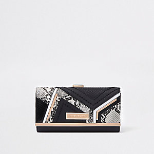 Porte-monnaie noir avec empiècement croco et peau de serpent et fermoir clip