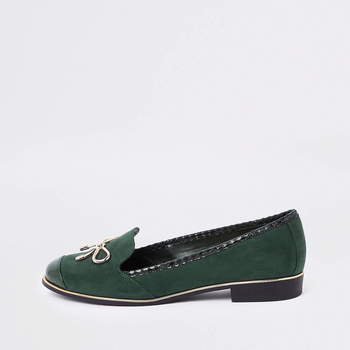 Groene loafers met goudkleurige strik
