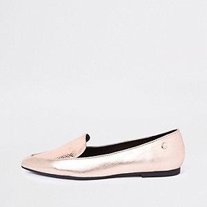 Goudkleurige platte schoenen met puntneus en krokodilleneffect