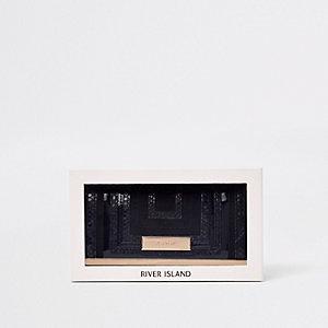 Schwarze Geldbörse in Geschenkverpackung