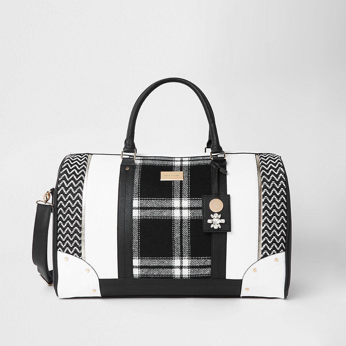 Black mono check weekend bag