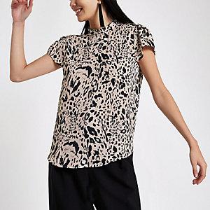 Top léopard noir avec col à volants