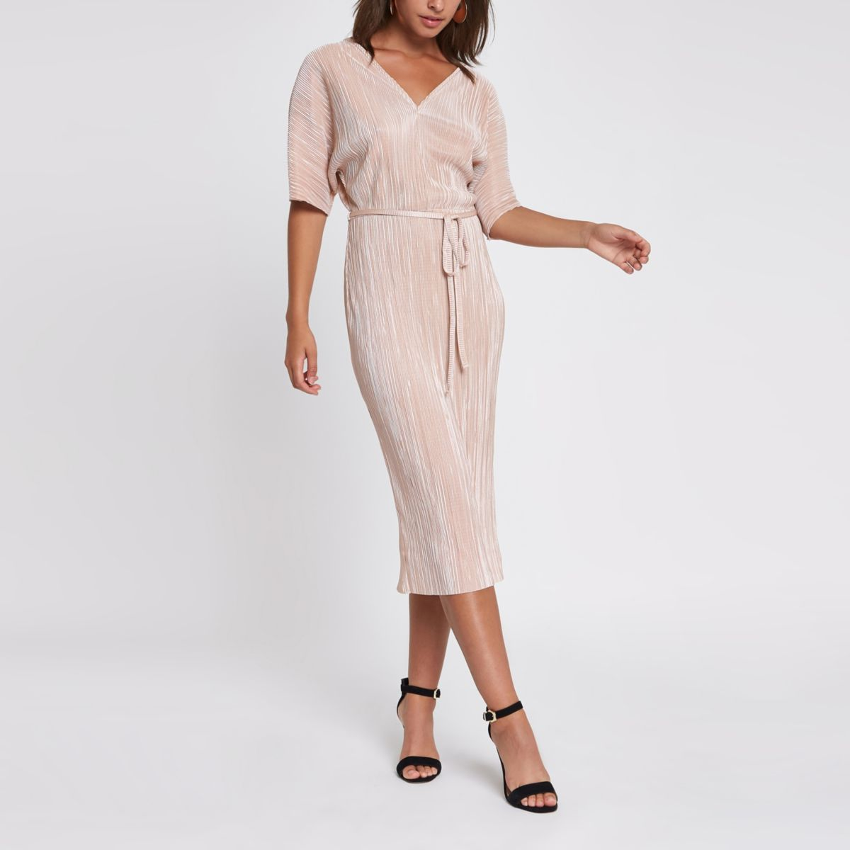 Light pink plisse kimono sleeve dress