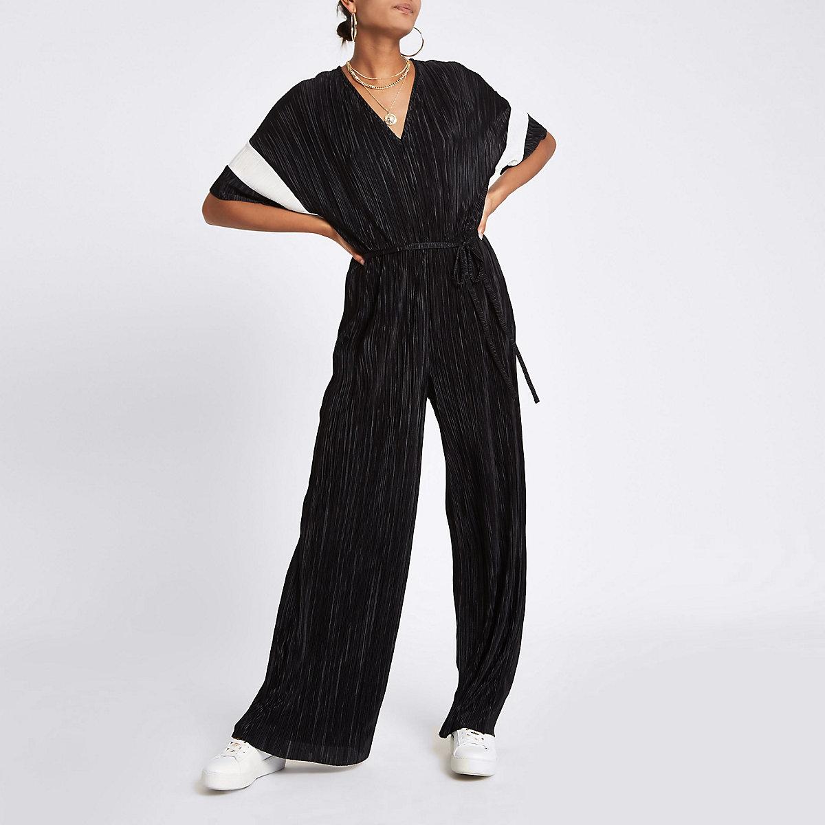Black plisse V neck wide leg jumpsuit