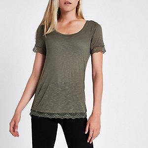 Kaki T-shirt met ronde hals en kanten zoom