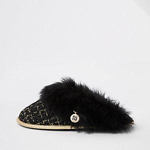 Zwarte bouclé pantoffels met rand van imitatiebont