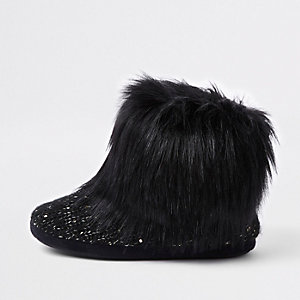 Black faux fur bootie slippers