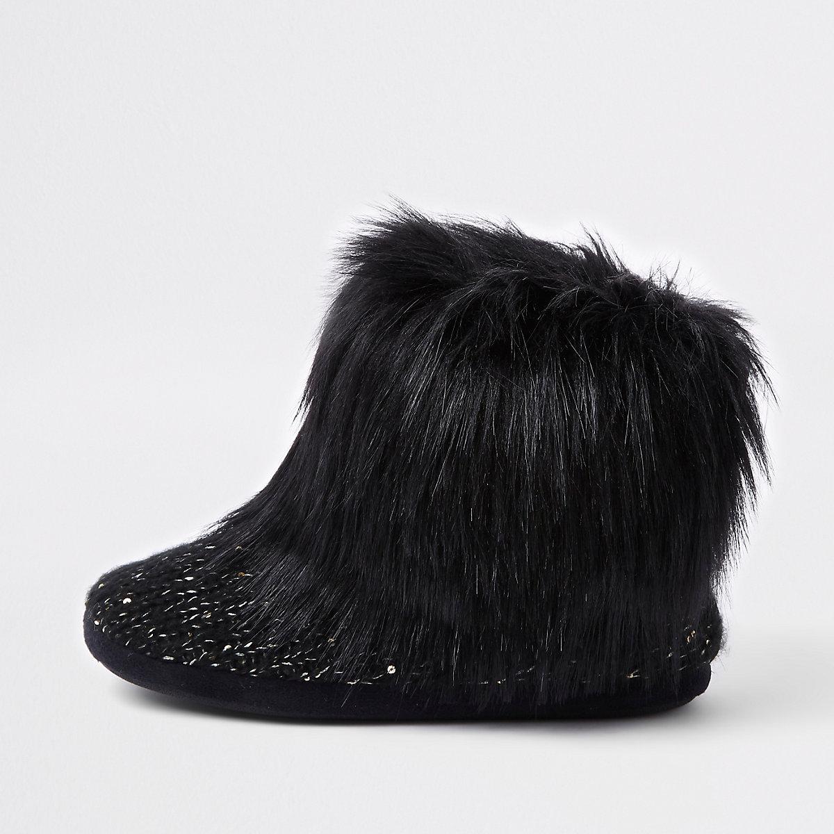 Black faux fur bootie slippers