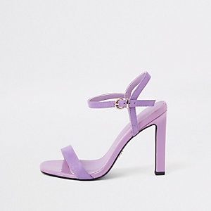 Sandales violettes minimalistes