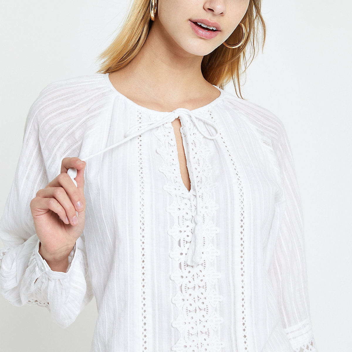 White tie lace trim long sleeve top
